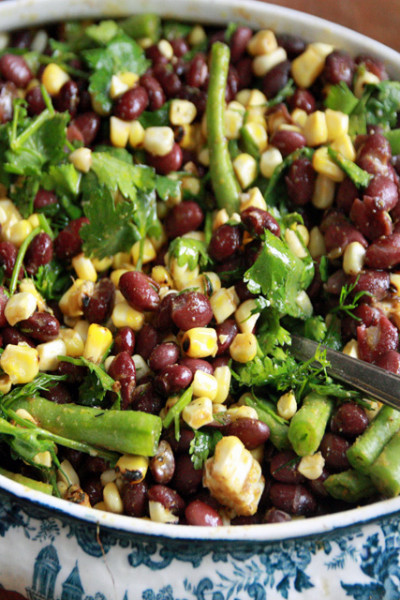 #TuesdayNightQuickie: Corn and Black Bean Salad