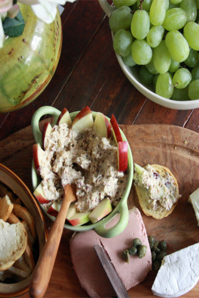 #TuesdayNightQuickie: Apple and Bacon Spread