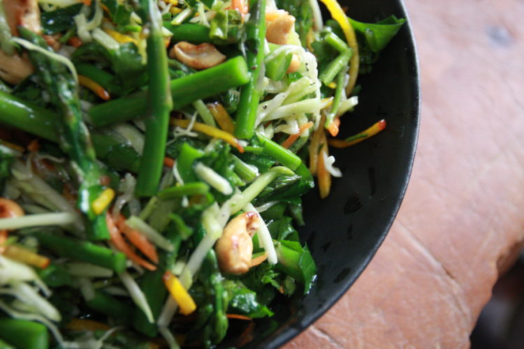 #Brunchweek: Thai Asparagus Slaw